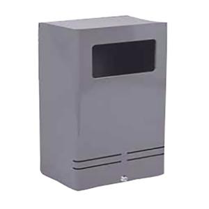 Poubelle à administrer à la main   3 types de corps : Inox 18/8ème Aluminium anodisé 15/10ème  Acier électrozingué 10/15ème recouvert de poudre thermodurcissable Fermeture à clé Contenance : 20 litres Fixation murale arrière Dimensions : L 300 x H 500 x P 200 mm Dimensions de la fenêtre d'introduction : H 100 x L 200 mm 22 teintes possibles à assortir à vos boîtes aux lettres